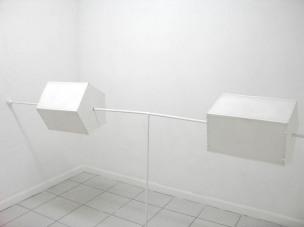 white voyeur (parte de la serie Hyperblanco)  técnica mixta  medidas varias  2009
